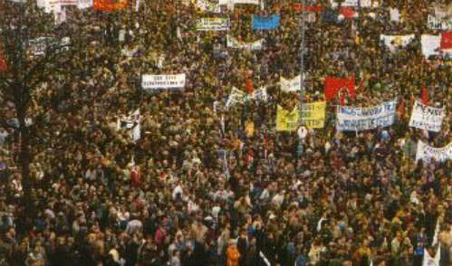 Tot icoon verheven een onderzoek naar de verheffing van for Demonstratie amsterdam
